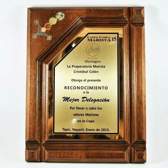 Reconocimiento de base de madera con placa sublimada para - Placa de madera ...