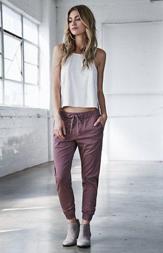 2017年,无论男生还是女生,最不能错过的裤子就是这件【半正式慢跑裤啦】!
