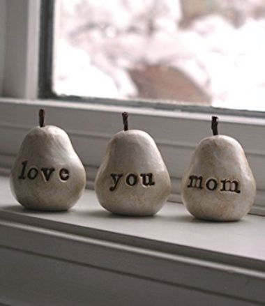 love you mom' clay pear decor