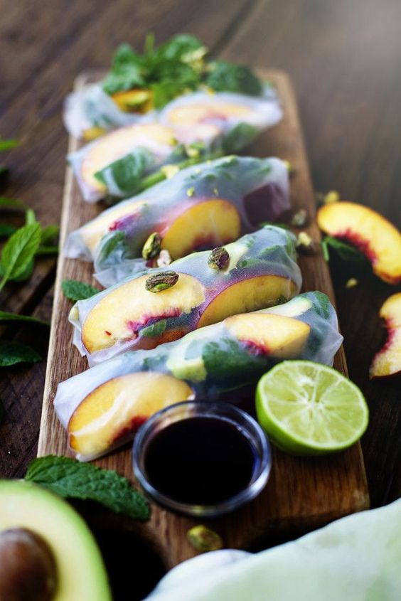 peach, avocado & spinach spring rolls #vegan