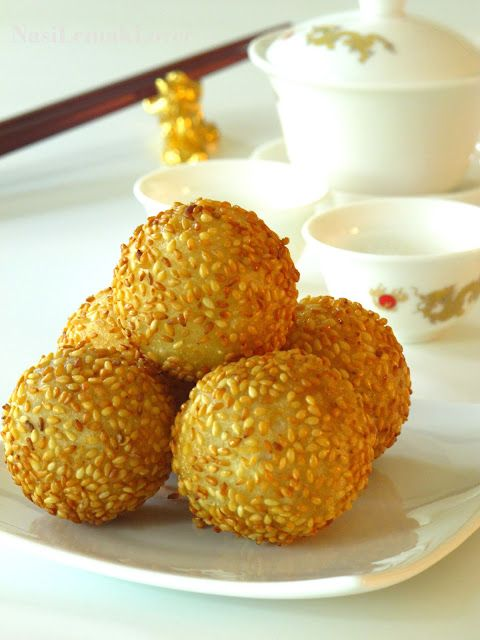 Jian Dui 煎堆(Deep fried glutinous rice balls / Sesame seed ...