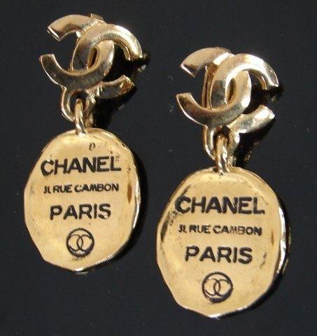 Chanel .