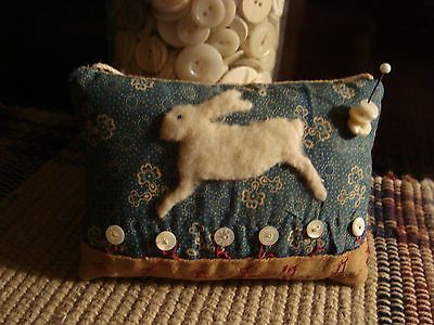 PRIMITIVE ANTIQUE LATE 1800 QUILT RABBIT PILLOW PINKEEP ~ SEWING KEEPSAKE: