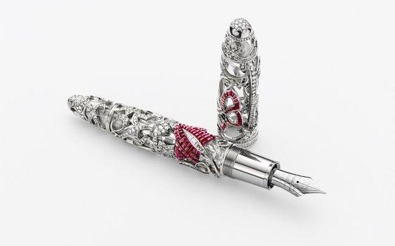 caneta em prata  com diamantes