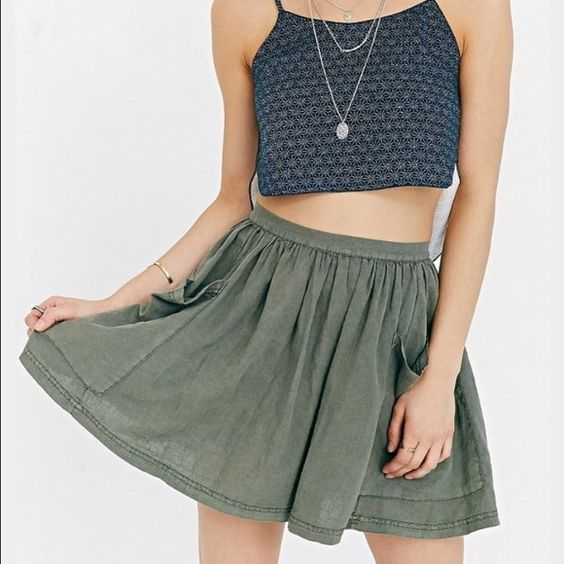 Urban Outfitters Ecote Debbie Pocket Mini Like new. Urban Outfitters Skirts Mini
