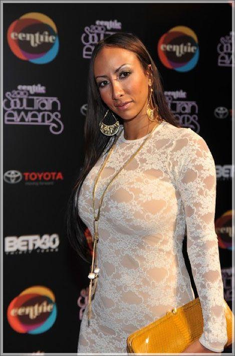 Sole #rapper #femalera...