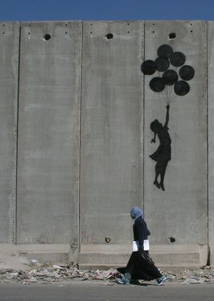 Banksy - Girl with balloons