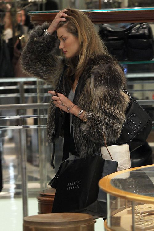 Rosie Huntington-Whiteley. | Chic in the Street (and Evening