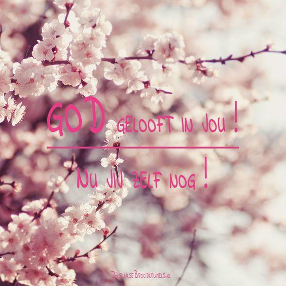 God gelooft in jou! Nu jij zelf nog!  #Geloof, #God  https://www.dagelijksebroodkruimels.nl/god-gelooft-in-jou-nu-jij-zelf-nog/:
