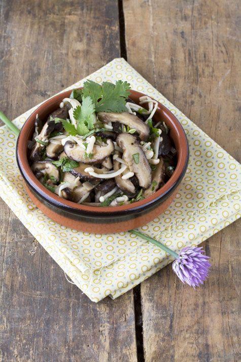Salade froide de shiitake et d'enoki aux herbes | *Drool ...