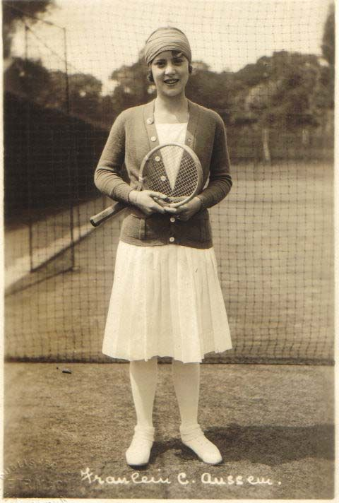 A lovely 1920s tennis ensemble. #vintage #sports #1920 I chose this one because tennis was a popular sport then
