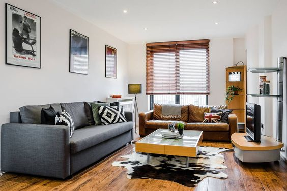 Designed one bedroom apartment in a modern apartment block. Only 5 minutes walk to Gloucester Road station and 10 mins walk to Natural History Museum!
