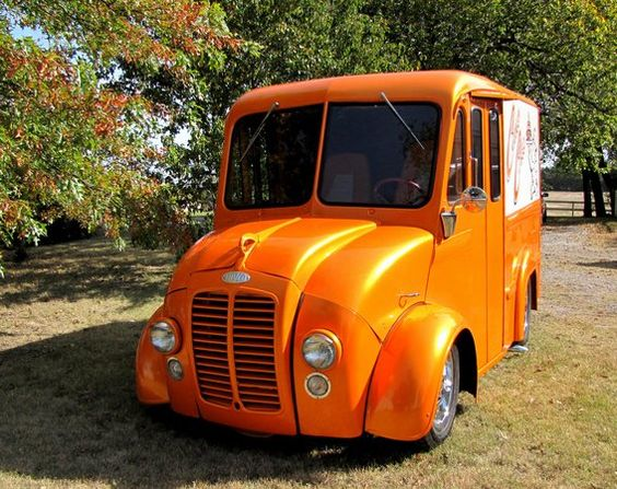 The Model B100 Divco was the shortest of the delivery vans built by the now-defunct company, on a 100-inch wheelbase.  Prather found all new sheet metal for his version and installed a later model grille in the nose of it.