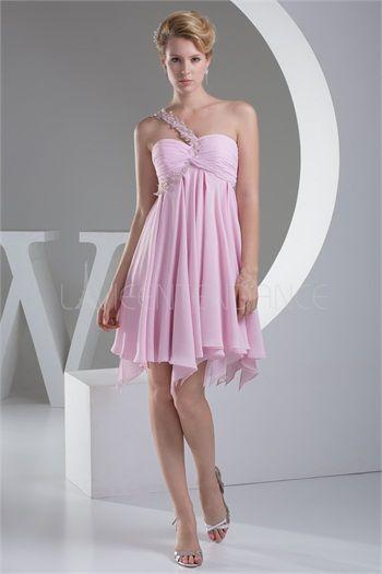 Robe de cocktail rose mini pas cher en mousseline de soie décoration perlée