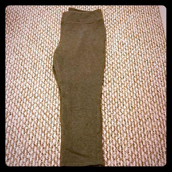 Gap leggings Gray gap leggings. Cotton and spandex. Falls under the knee. GAP Pants Leggings