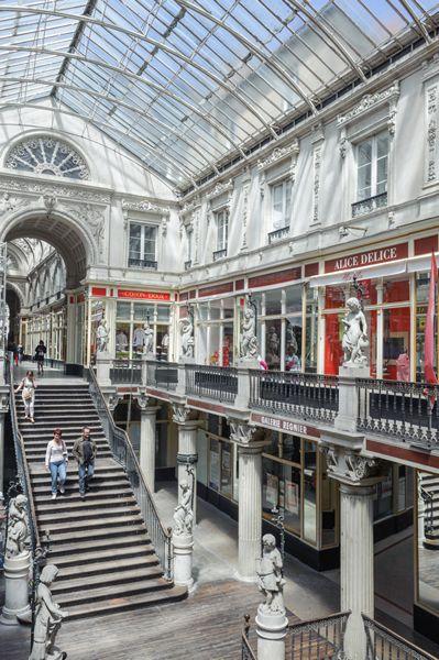 D couvrez l 39 historique du c l bre passage pommeraye for Architecture nantes