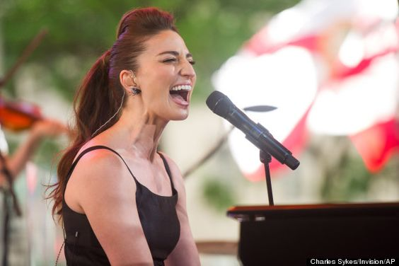 Here's Why Everyone Should See Sara Bareilles Live In Concert -- and it couldn't be more accurate-- it is a definate MUST!