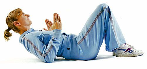 Die Schulterstemme -ganzer Oberkörper  1 Rückenlage: Beine anwinkeln und hinsetzen-  die Ellenbogen rund 20 Zentimeter vom Körper entfernt.  2 Drücken Sie Ihren Rumpf allein durch Armkraft nach oben. Der Po bleibt am Boden, sonst machen Sie lediglich rückseitige Liegestütze. Pressen Sie die Brust möglichst weit heraus, und halten Sie den Oberkörper dabei starr.  3 Überstrecken Sie den Kopf leicht nach hinten. Ca 30 Sekunden lang. Wiederholen Sie die Übung nach ein bis zwei Minuten Pause.