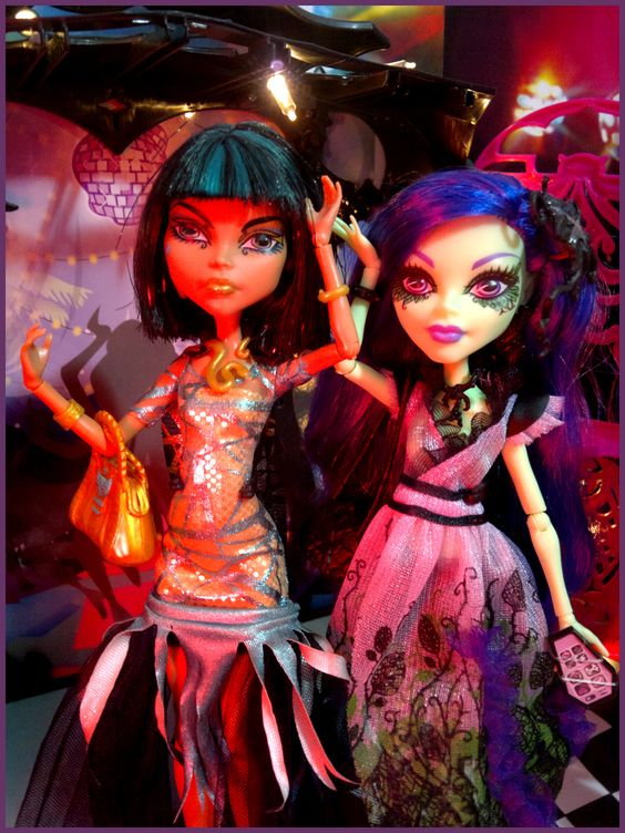 Festa da Spectra - 13 Wishes ( Monster High )