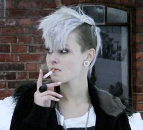 Dunkel Gefarbtes Kurzes Punkhaar Punk Haarschnitt Haarschnitt Styling Kurzes Haar