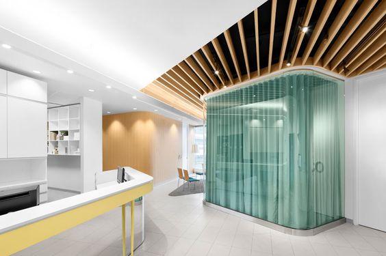 design interior klinik kecantikan