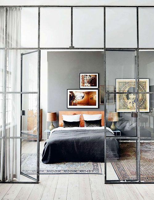 Inspiratie: Stalen kozijnen en deuren in je interieur | Woonguide.nl