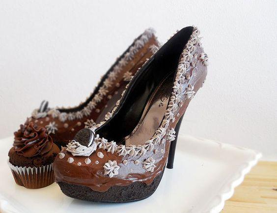 Sandálias com chantilly e chocolate - Em Foco - Sapo Mulher