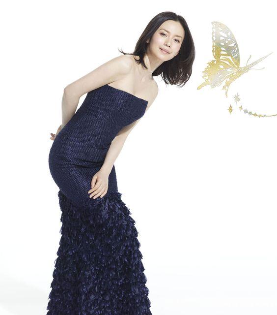 中谷美紀ボディーラインが美しいドレス姿