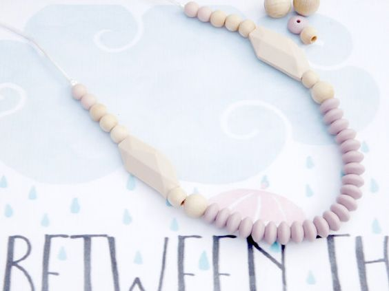 Silicone Necklace Silicone Bead New Mom Gift/ Teething Baby/ Baby Shower Gift/ Nursing Necklace/