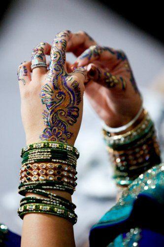 .: Mehndi Bangles, Mehndi Design, Henna Designs, Colored Mehndi, Blue Mehndi, Mehandi Design, Henna Mehndi, Indian Wedding, Henna Tattoo