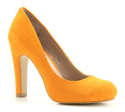 want the La Strada's in yellow as well! €40