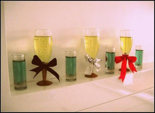 Champagne Flute Gel Candles - learn how to make it!