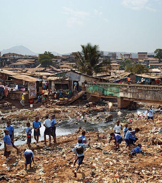 Photo : Ecole Primaire de Kroo Bay à Freetown en Sierra Leone