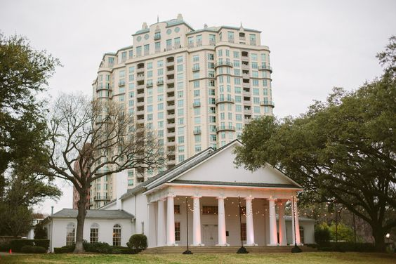 Emily + Cody = Spring Wedding at Arlington Hall at LeePark - Blog - RENT MY DUST Vintage Rentals