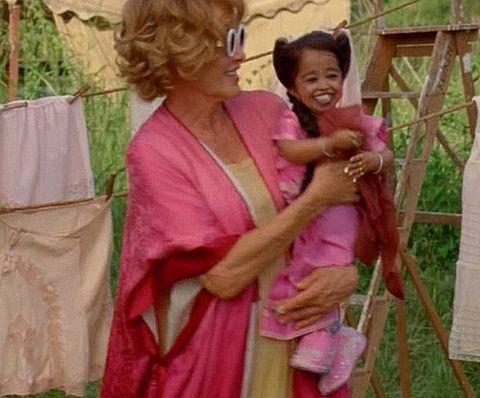 Jyoti Amge as Ma Petite, Jessica Lange as Elsa Mars in American Horror Story: Freak Show.