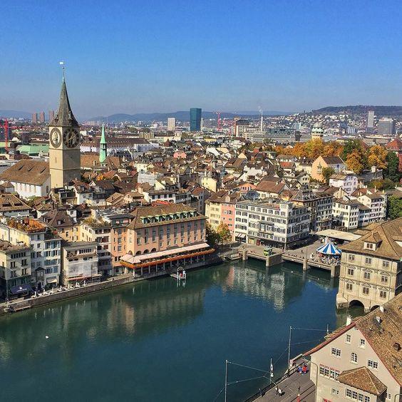 Zurique é a principal porta de entrada na Suíça. O próximo episódio da nossa mini-série no país mostra o que você pode conhecer por lá mesmo se tiver apenas algumas horas na cidade. Se inscreva no nosso canal pra não perder: http://ift.tt/1PNvYto by 3em3tv