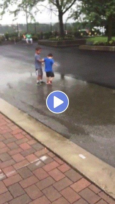 Crianças dando trabalho a policia