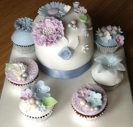 Stunning Chocolate Ganache Cupcakes with matching cake