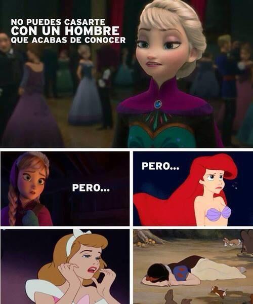 Escena De La Pelicula Frozen Princesa Elza Junto A Otras Princeas Memes De Disney Memes Divertidos Memes