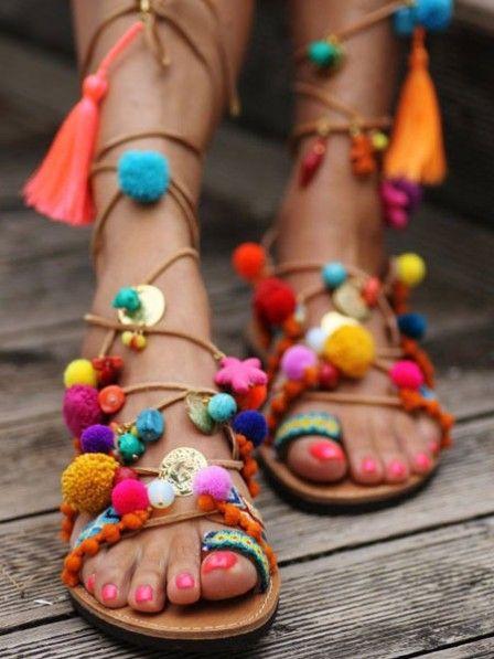 Schockverliebt: Wir brauchen ein paar Hippie-Sandalen!