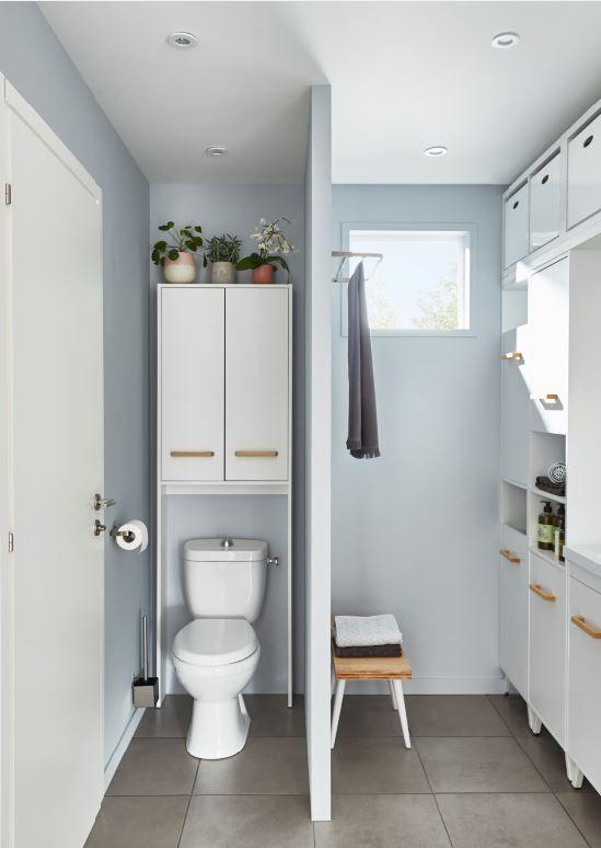 Cette Armoire Specialement Adaptee Aux Wc Offre Une Solution Complementaire De Rangement Pour Vos Toilettes Armoire Wc Idee Salle De Bain Meuble Salle De Bain