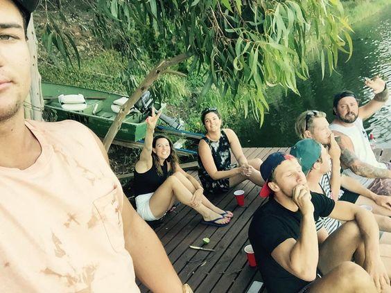 NYE!!! #hopkinsriver #pontoon #skinnybitches #portfairy #theprestshouse @hadriankeith @hopski25 @simonelouise_ @sammyburto88 @ry_t by s_turns