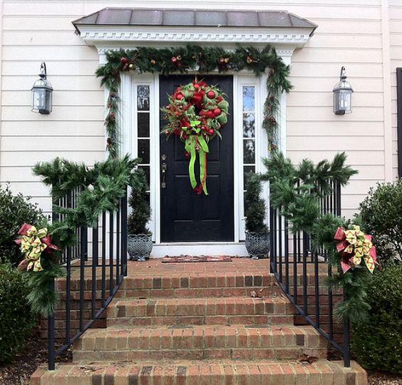 20 Christmas Garland Decorating Ideas