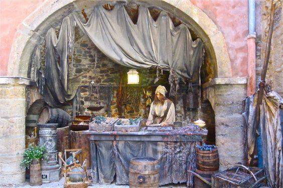 A meticulously reconstructed set from the film adaptation of  Süskind's Das Parfum. In Musée des miniatures et Décors de  Cinéma (Lyon, France).