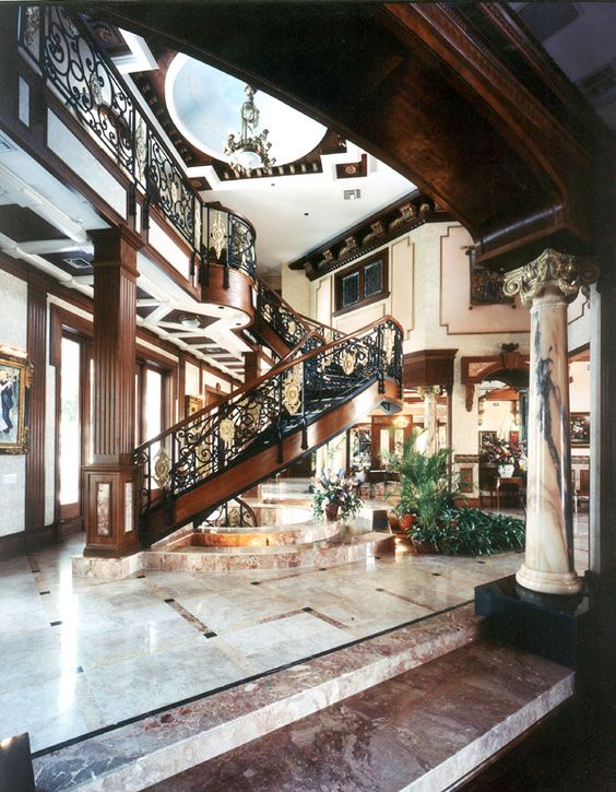 Rich houses interior great gatsby mediterranean italian for Fancy houses inside