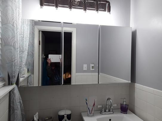18++ Tri mirror medicine cabinet hinges type