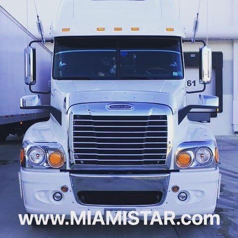 95 Me Gusta 2 Comentarios Miami Star Truck Parts Miamistartrucks En Instagram Freightliner Truck Chro Freightliner Custom Trucks Freightliner Trucks