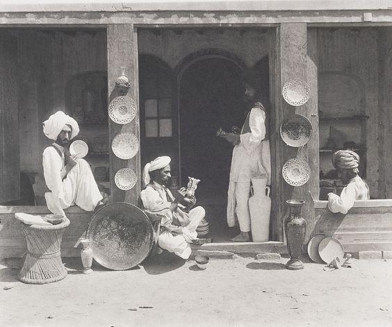 19th-century-india-rare-old-photos-lucknow-lahore+(5).jpg 1,000×836 pixels