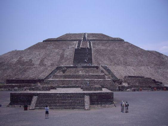 Teotihuacan - pyramide del sol
