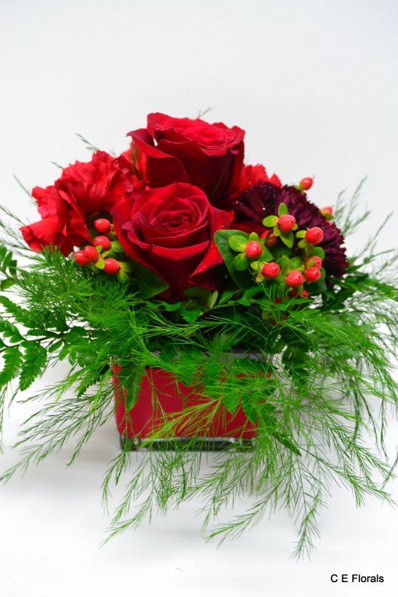 Red rose table arrangement